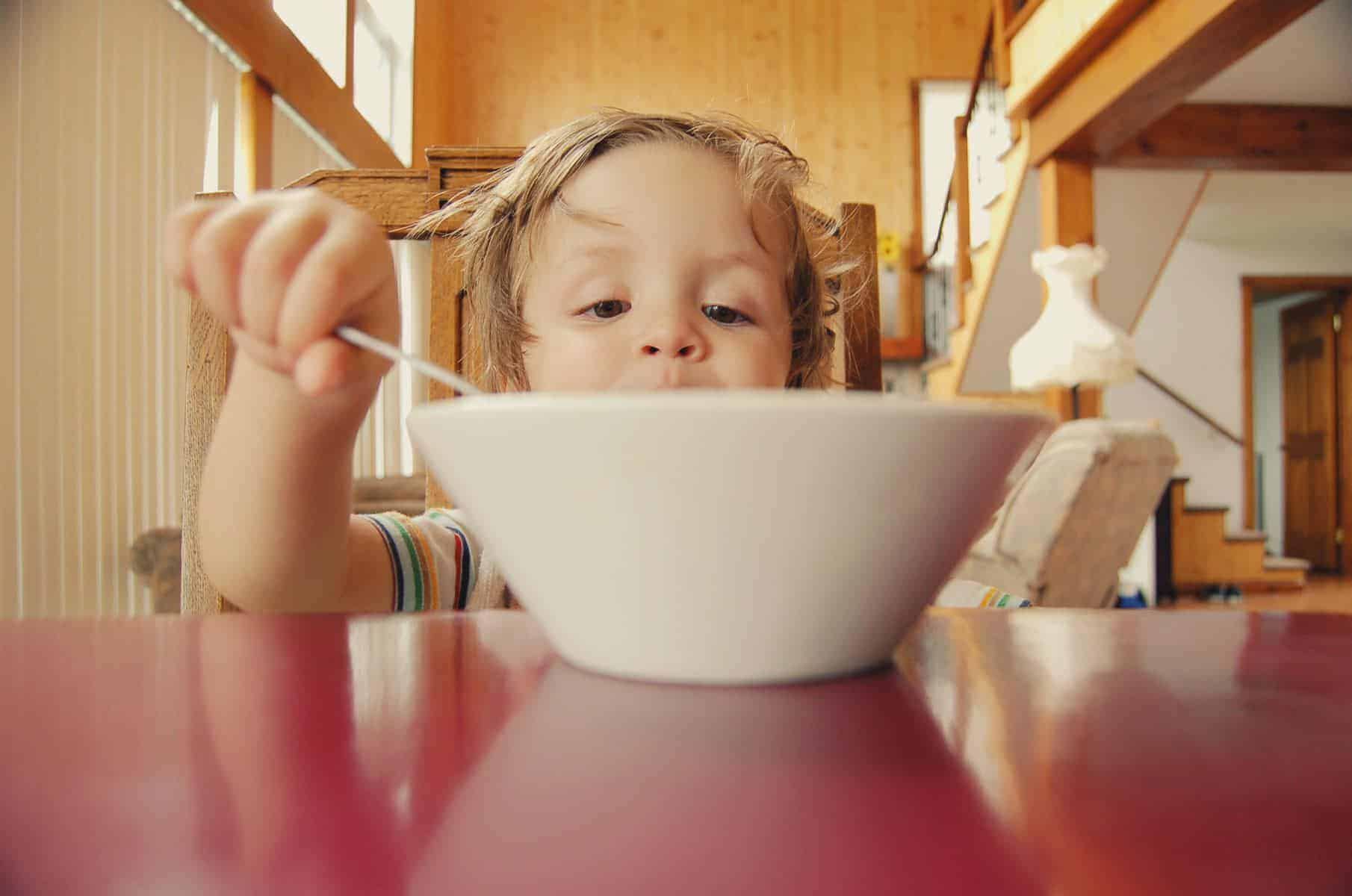 Glyphosate in food kid eating breakfast